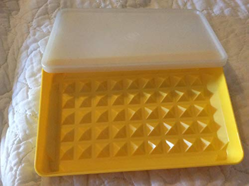 Tupperware Classic Yellow Bacon Hot Dog Sausage Keeper Marinade Container