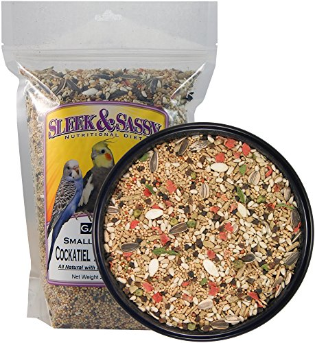 SLEEK & SASSY NUTRITIONAL DIET Garden Small Hookbill Bird Food for Cockatiels, Lovebirds, Quaker Parrots & Small Conures (2 lbs.)
